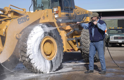 Washing a Frontend Loader